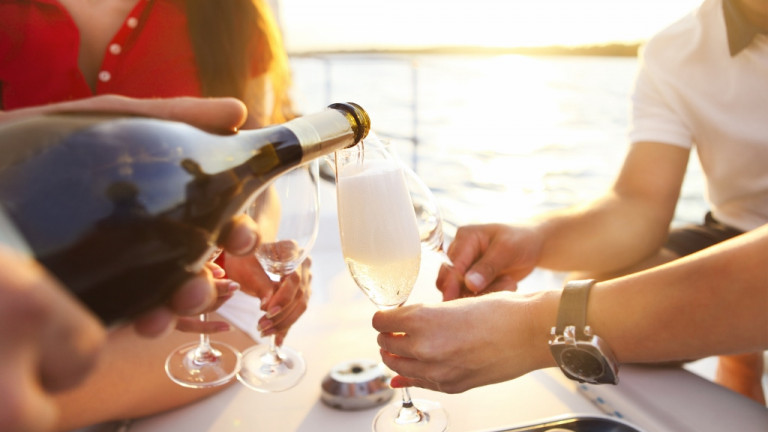 Varen en drankjes en sapjes op de boot