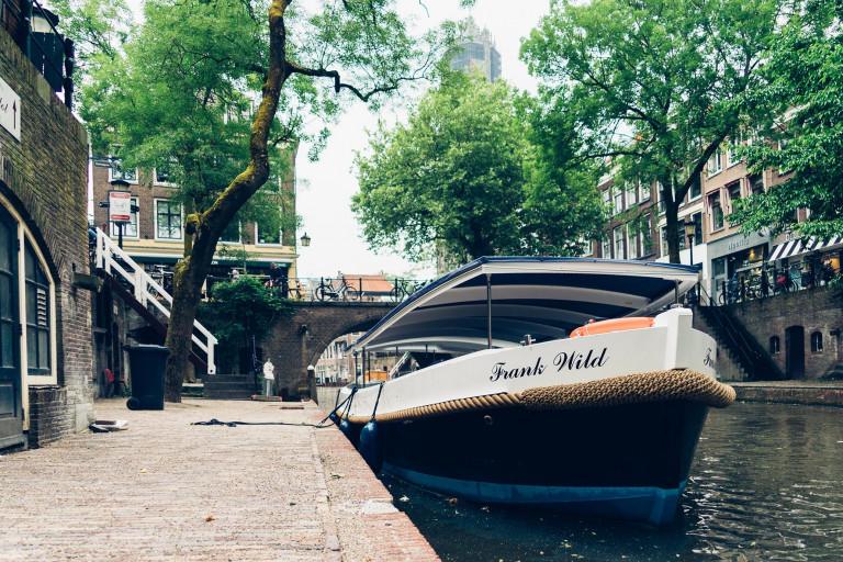 Sloep in Oudegracht Utrecht