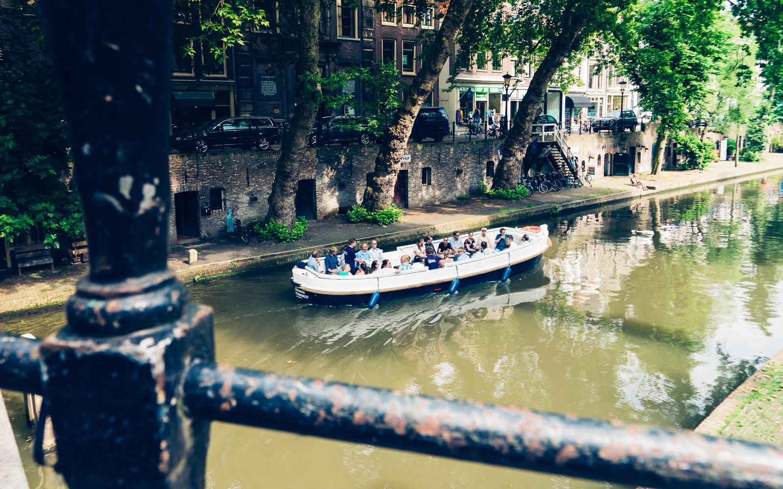 sloep of boot varen utrecht huren oudegracht